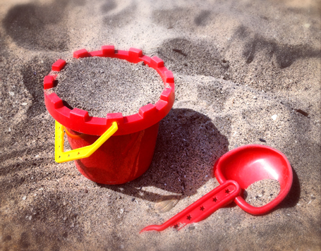 """It's okay"": Why you shouldn't dismiss your child's fears-shovel and pail at the beach"
