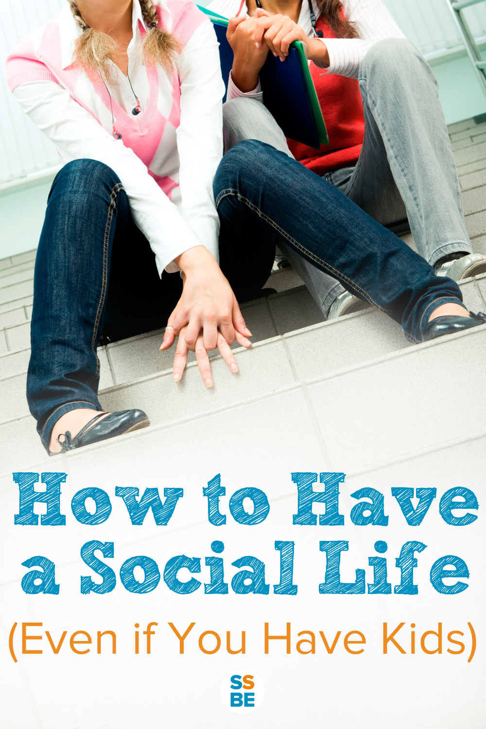 Having kids doesn't mean you can't hang out with friends, family or your partner. Discover exactly how to have a social life even if you have kids.