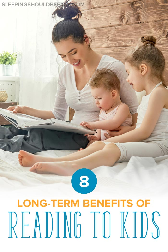 Mom reading to her kids: benefits of reading to kids