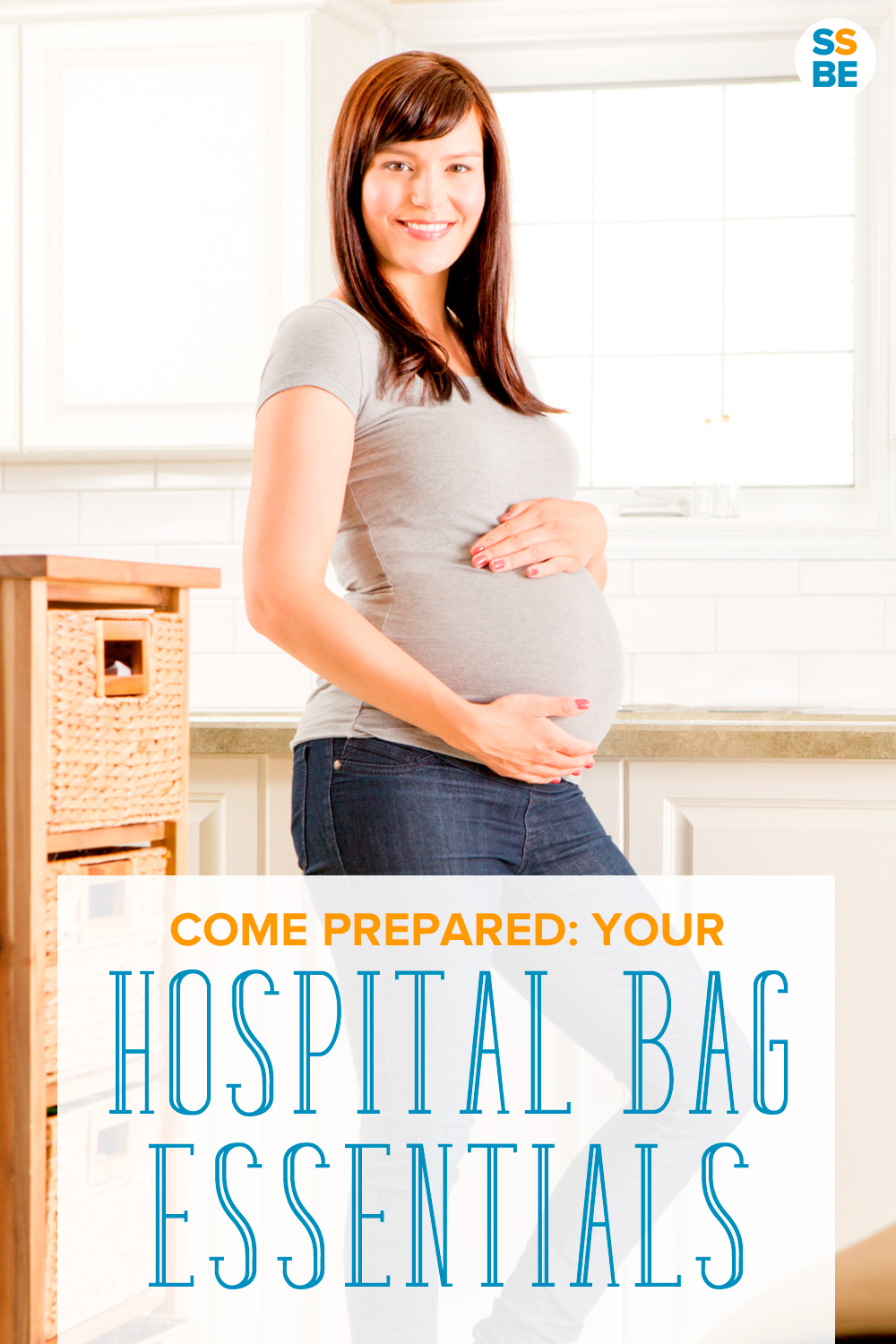 Wondering what to bring with you to the hospital? Check out this list of hospital bag essentials — everything you need for your hospital stay. Comes with a free printable hospital bag checklist for labor and delivery!