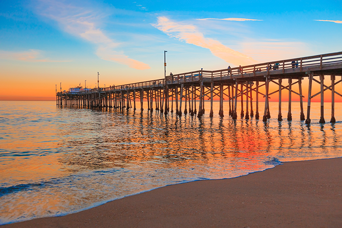 Newport Beach offers many outdoor date ideas, including these five. From whale watching to hiking, make Newport Beach your next date excursion.