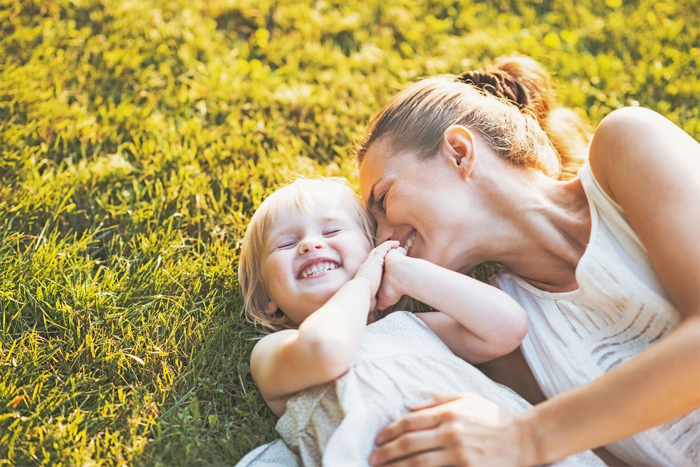 carefree-mom-and-daughter